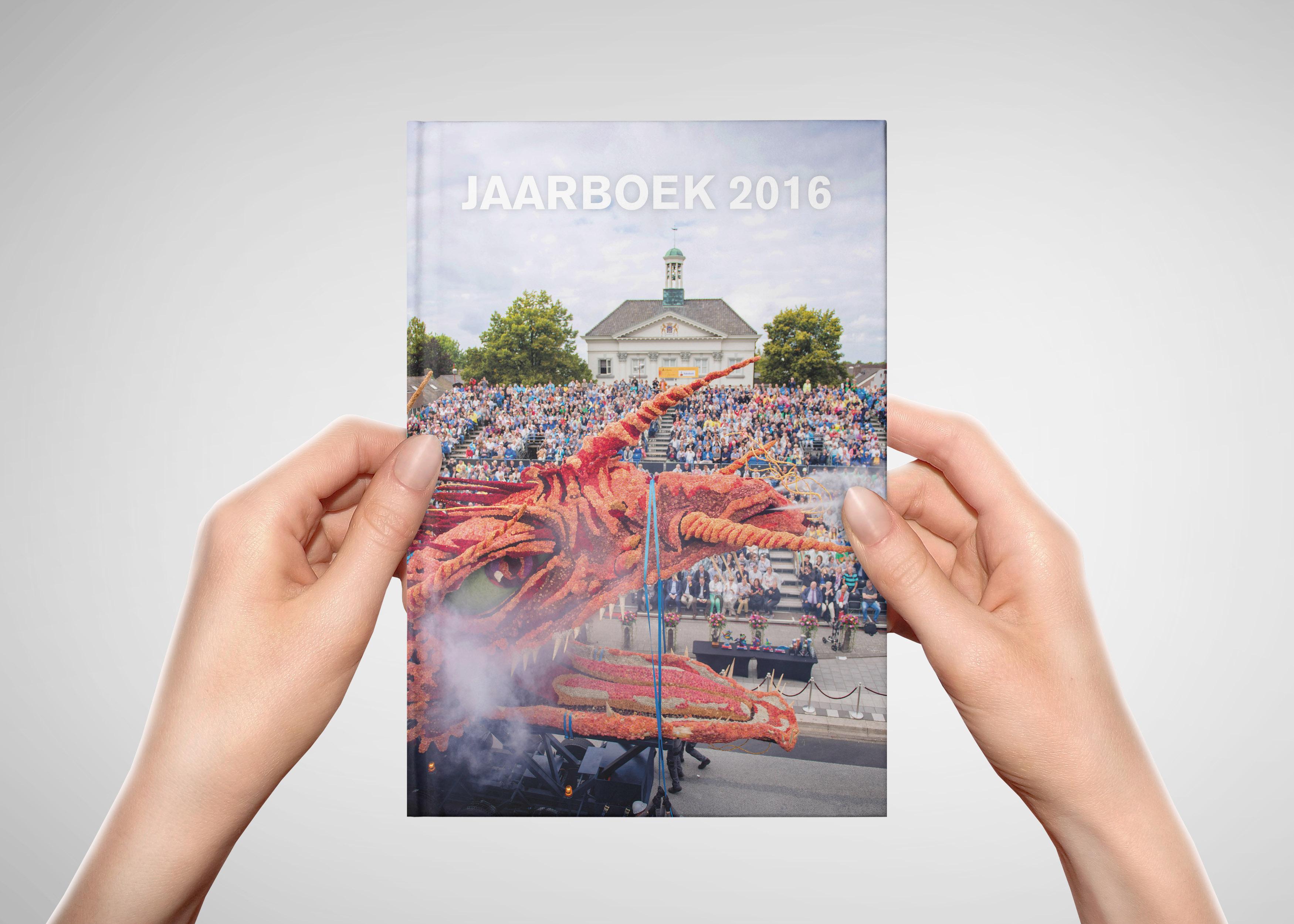 jaarboek_2016_mockup_cover_2_klein